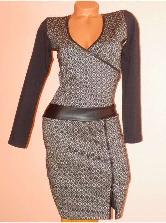 Csinos,átlapolt,rombuszos,latexes RUCY FASHION ruha! S,M,L,XL