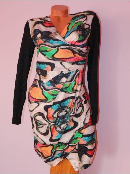 Csodaszép,különleges mintás,átlapolt ruha! S/M,L/XL