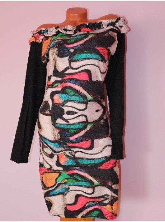 Csodaszép,különleges mintás,fodros,vállra húzható ruha! S/M,L/XL